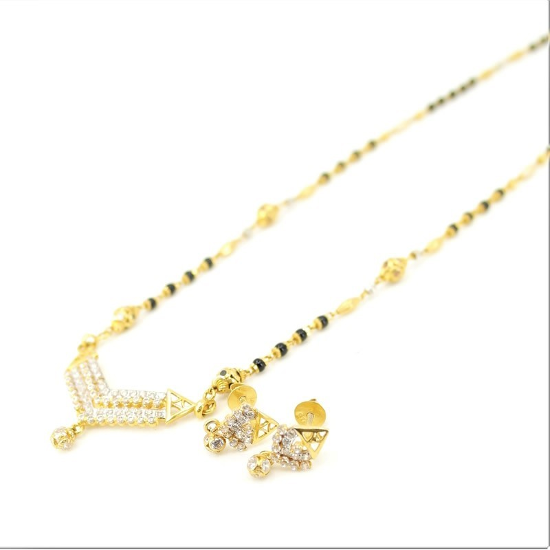 Mangalsutra Pendant and Earrings Set